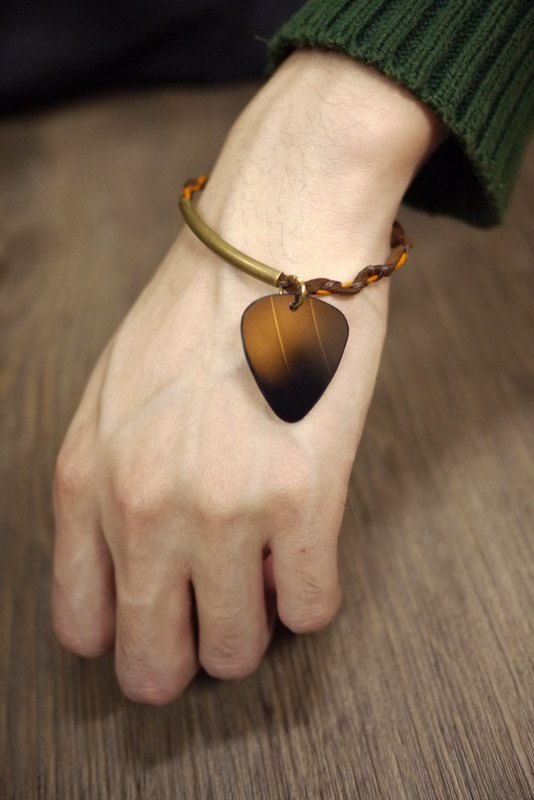 Hand vinyl guitar shrapnel Pick Woven Bracelet - Falling In Love With U (men's single)