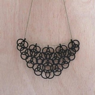 En Necklace black