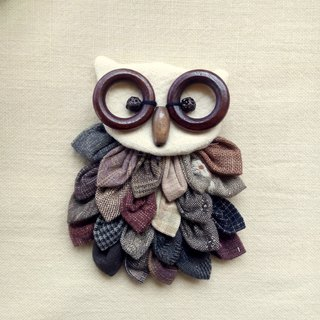 [E] lined up owl / brooch