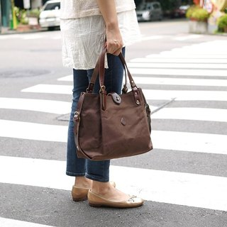 Japanese temperament simple leather buckle water repellent shoulder bag only brown Made in Japan by CLEDRAN