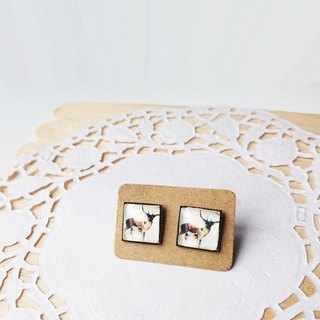 Square watercolor moose silhouette ear nail