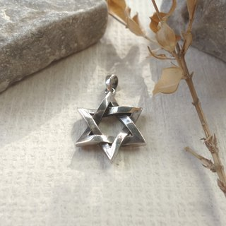 Sterling Silver - Magic Array Between the Neck - Star Pendant
