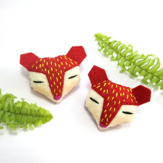 Strawberry red fox pin / magnet / key ring / hair bundle / animal hair accessories