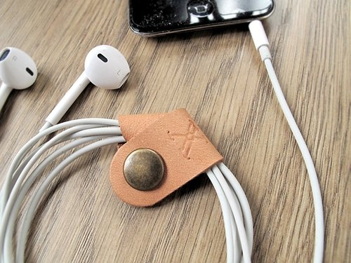 IPhone Headset line containing x EarPhone handmade leather buckle, then enjoy the music.