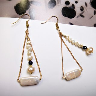 ◎ pearl earrings gravel * Blue Triangle brass earrings