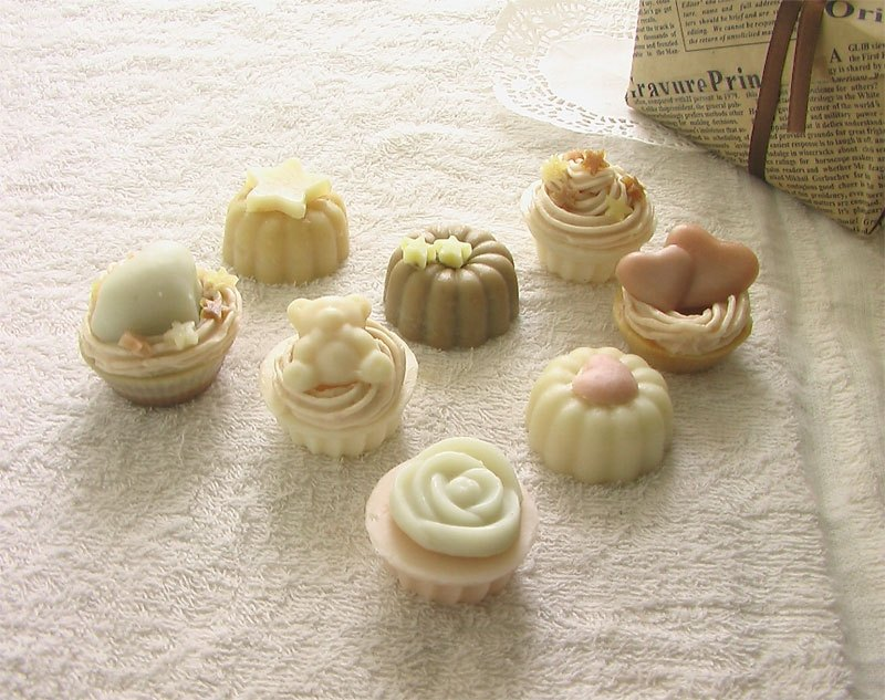 3 Into The Cup Cake Handmade Soap Gift Box Wedding Small Things