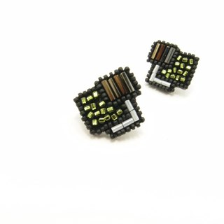 Geometric Cube Embroidery Earrings / Olive Green