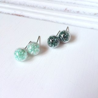 *Haku‧Neko*green tint transparent glass ball bead earrings (mint green / Forest Green)