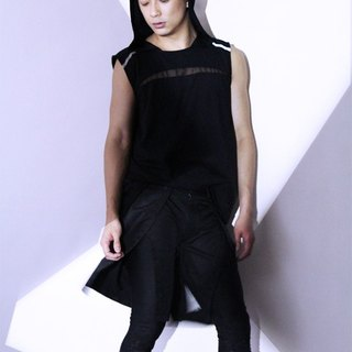 Taiwanese designer brand men's fashion avant-garde design models slits shorts black