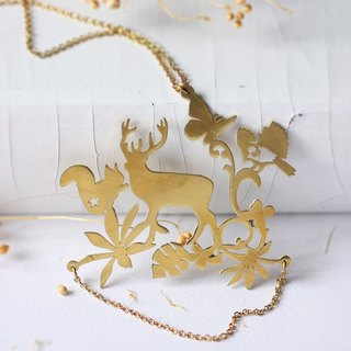 Pendant necklace deer in the Forest of fantasy, stencils (size incontinence).