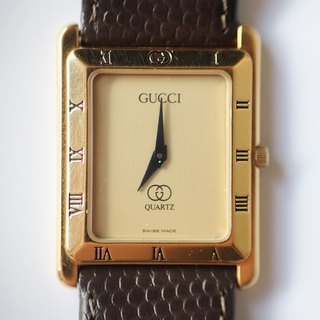 A ROOM MODEL - VINTAGE, PC-0021 GUCCI black square watch