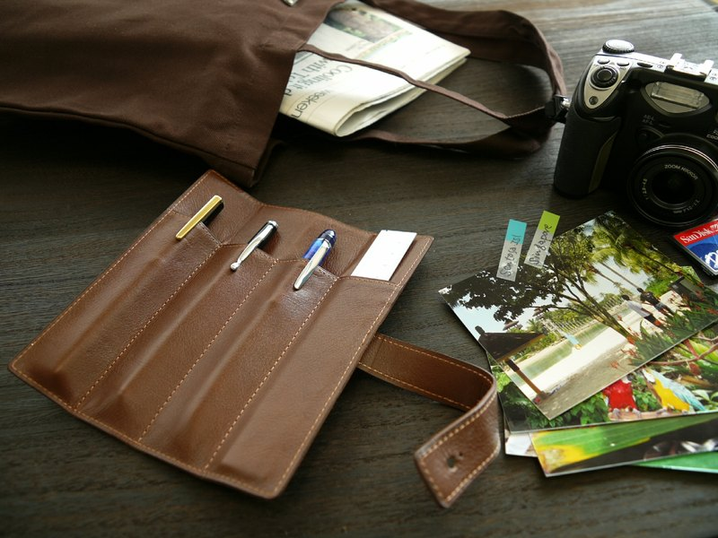 革職人 LEATHER FACTORY【Delta Pen Case】Made in Japan