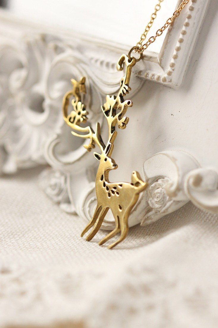 Mimi deer necklace