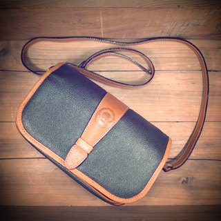 Old bone Andora dark green waterproof canvas x caramel leather side back square package Vintage