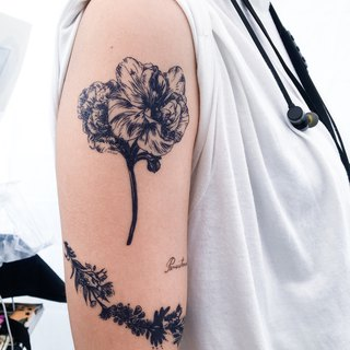 Deep Ocean Blue Realistic Flower Floral Summer Temporary Tattoo Stickers HK MIT