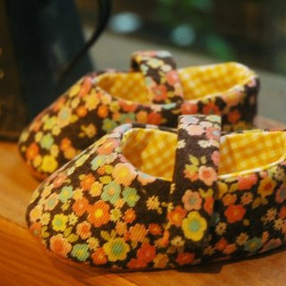 Colorful flowers baby shoes