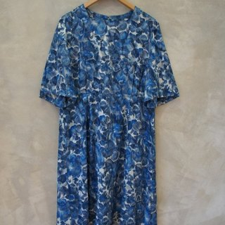 Blue Gradient embroidery vintage dress PdB