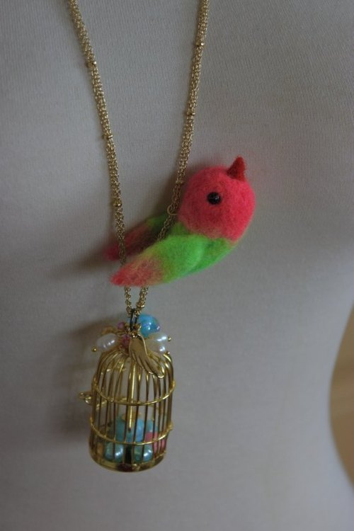 2013 new fluorescent dye wool gold bird cage fluorescent necklace