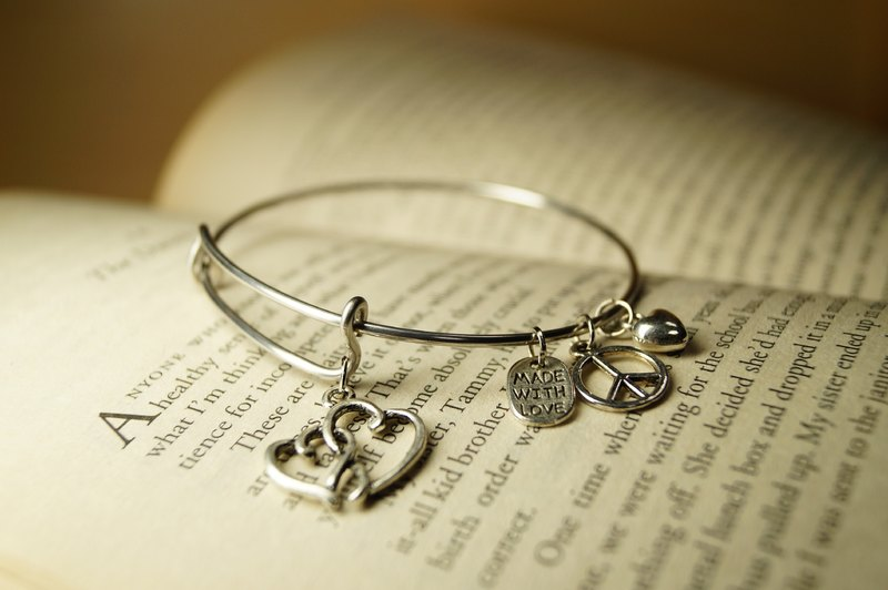 Heart with Heart Bracelet (Heart matched) - Bangle series