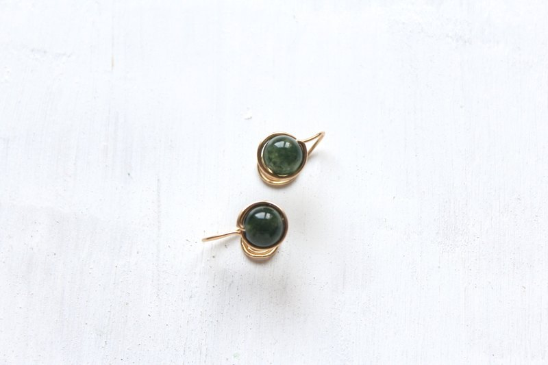【 Chlorella Crystal 】classic earring (Customizable clip-on)