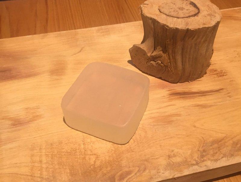 台灣檜木香皂