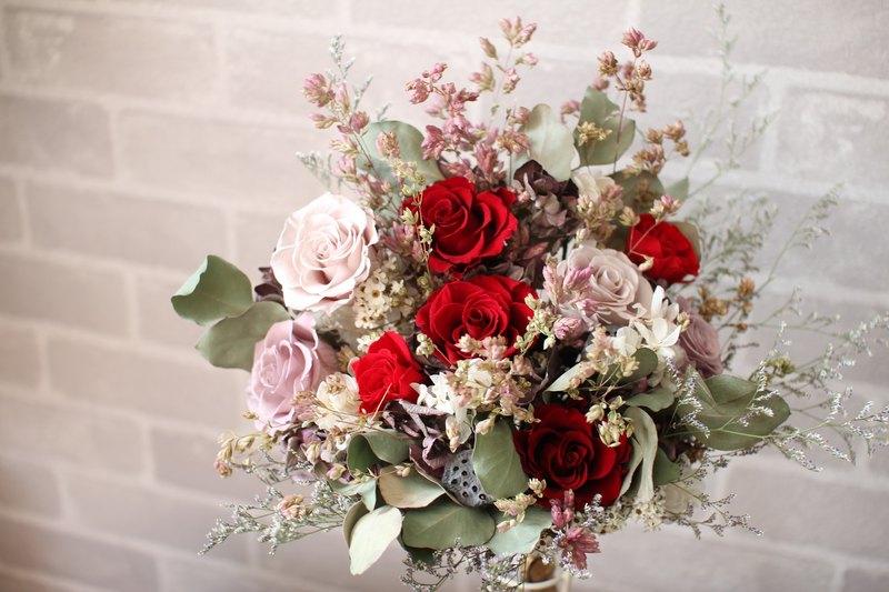 Elegant ruby] - immortalized flower / dried flowers / jewelry ...