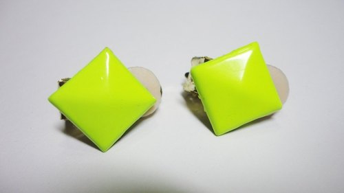 NiCorn hand made - Great Rock Season - rivet fluorescent yellow retro earrings (ear clip-on)