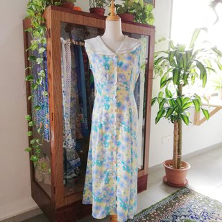 Sleeveless flora dress