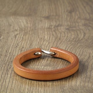 Simple handmade leather bracelet (primary color)