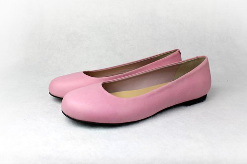 Soft pink round doll shoes