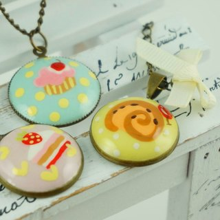 Hand-painted personalized necklace
