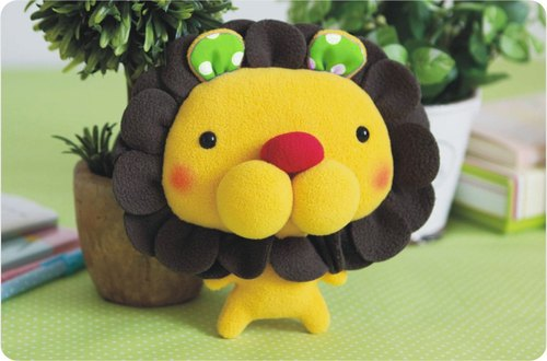 """Balloon"" doll - petal lion (small section)"