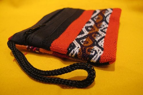 Traditional Peruvian weave small compartment package