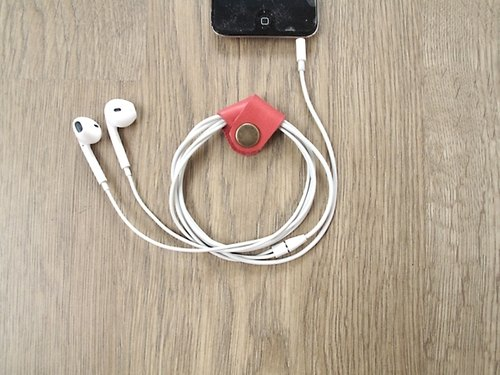 iPhone headphone cable case x EarPhone all handmade leather buckle, (beat) cry, and then enjoy the music. (Pink)