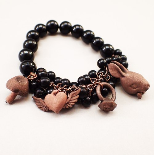 Three-dimensional printing - black beads with red bronze Charm (4)