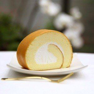 Pure plain cream roll