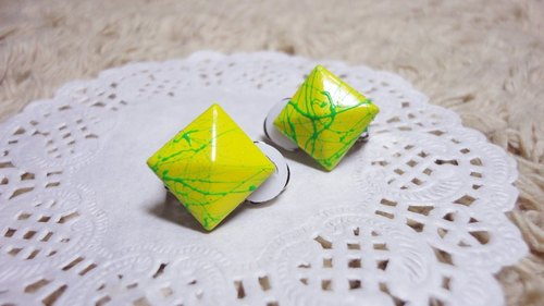 NiCorn hand made - Great Rock season - yellow green ink Article rivet retro earrings (ear clip-on)
