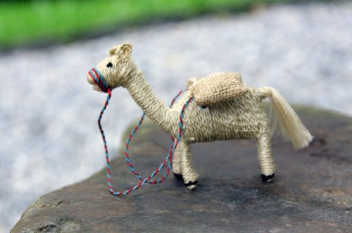 Jute hand for small animals _ camel