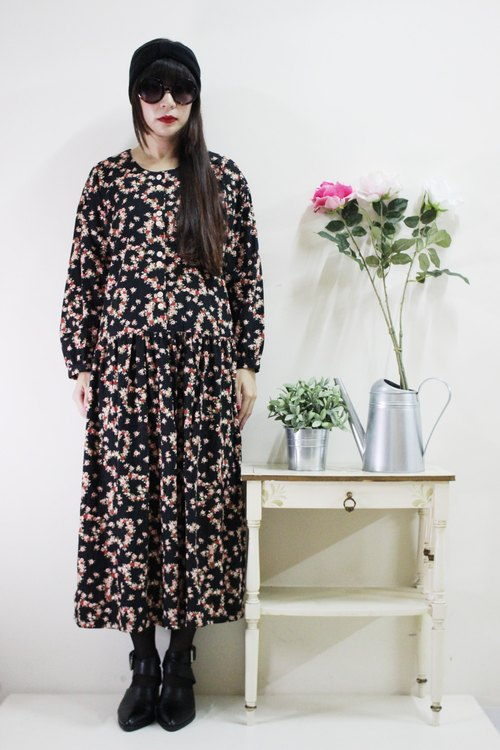 F1604 (Vintage) black flower cotton long-sleeved vintage dress