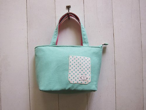 Sausage dog zipper canvas tote bag + front pocket - small (light green + skin powder)