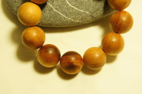 Heavy oil Taiwan cypress fruit sweet Bracelet 18mm (LOG hand-made)