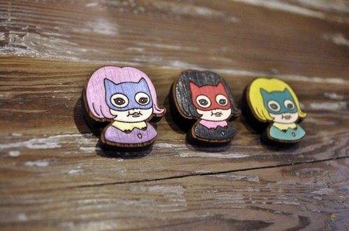 CutFing X OnlyTwo Wood Series - Masks girl pin