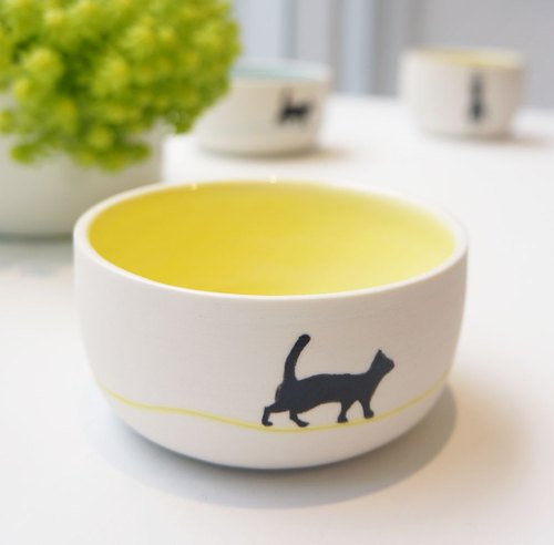Cats love to walk - Hand cup (trot yellow)