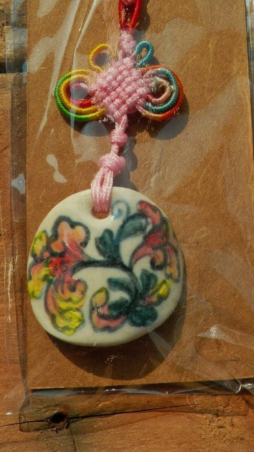 Light Retro Charm X X Chinese tiles painted pink flowers reel