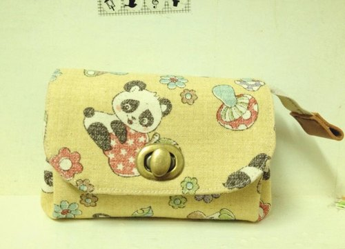 Clare cloth hand made * Japanese short clip / CLUTCH - Raccoon cotton wind
