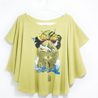 Feel natural drape round pendulum travel T / blouses! - Riding a hot air balloon to travel it (apple green)