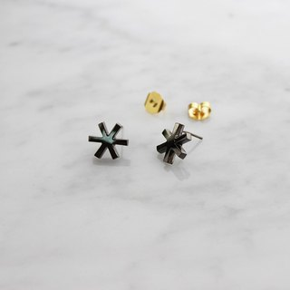 Asterisk Earring Black. Stud earrings.