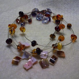 Three-color amber bracelet