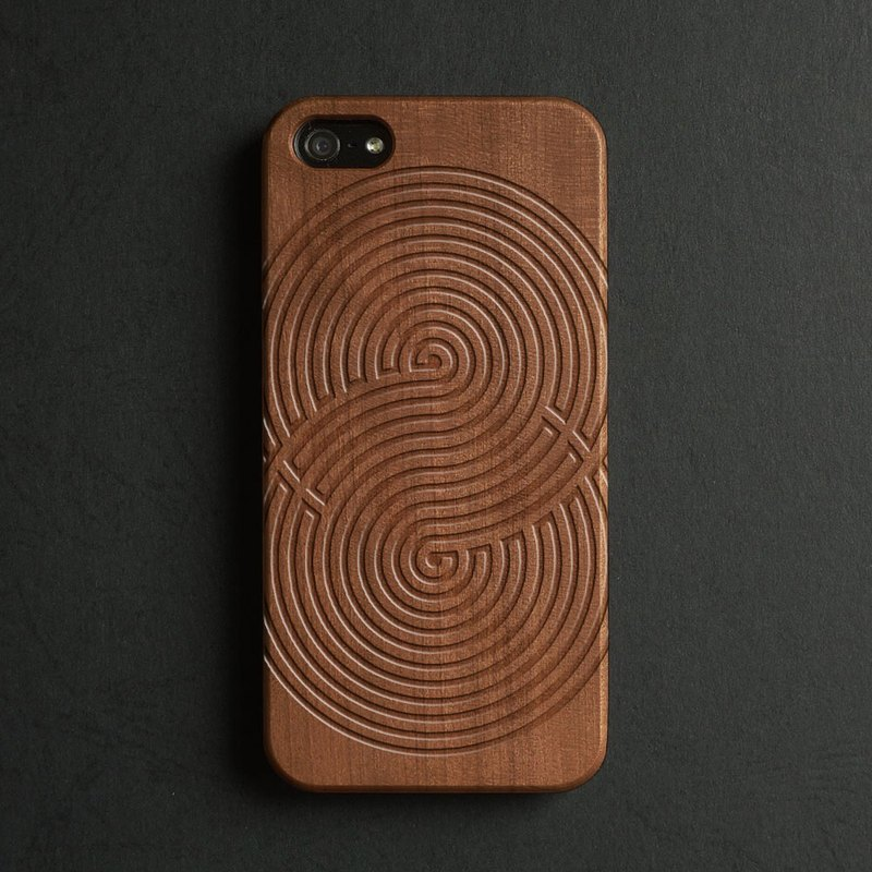 Real wood engraved iPhone 6 / 6 Plus case S002