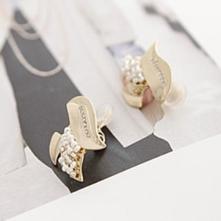 Autumn and winter new Lucia earrings / JC2101 (air ear clip)